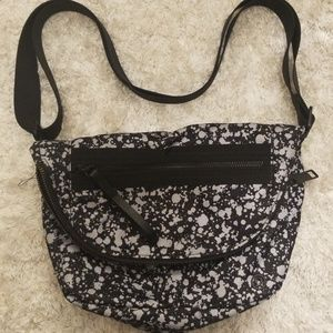 Lululemon Festival cross body bag